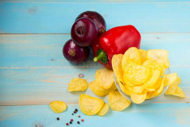 Frytki Domowej roboty chrupiące chip ziemniaka fotografia royalty free