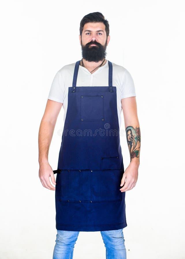 Fryzjera fryzjera męskiego salon dla mężczyzn Obsługuje brutalnego brodatego modnisia z wąsy odzieży fartucha mundurem Zakładu fr obraz stock