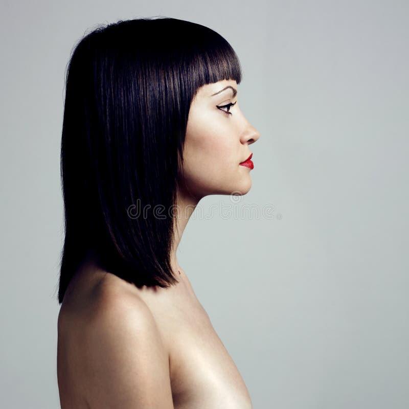 fryzury kobieta profilowa surowa zdjęcia royalty free