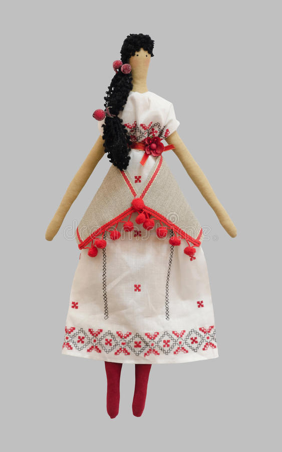 FS-χειροποίητο απομονωμένο κορίτσι κουκλών στο ουκρανικό λαϊκό φόρεμα ύφους στοκ εικόνες