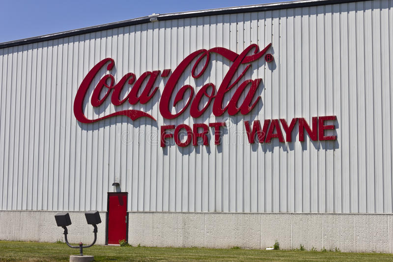 Ft 韦恩,大约2016年7月:装瓶的可口可乐, World的Largest Beverage Company II 免版税库存图片