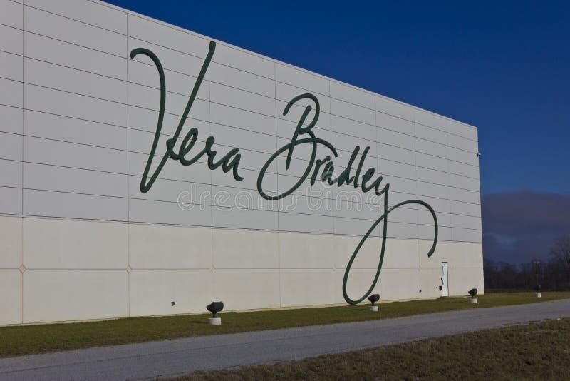 Ft Wayne, DENTRO - cerca do dezembro de 2015: Vera Bradley World Headquarters imagem de stock