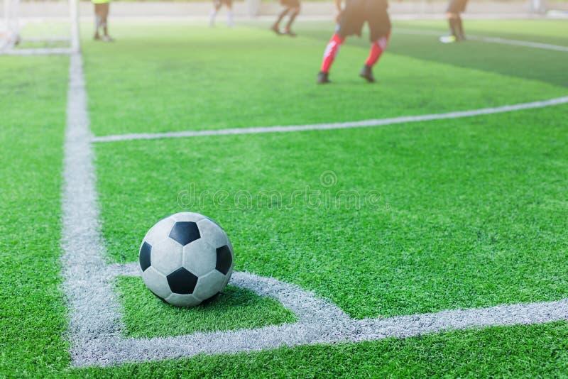 Fußball auf Ecke für Ecktritt lizenzfreies stockbild