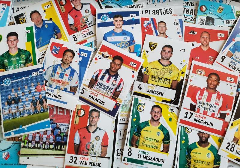 Fußballkarten des Eredivisie in den Niederlanden, gegeben durch den Albert Heijn-Supermarkt stockfotos