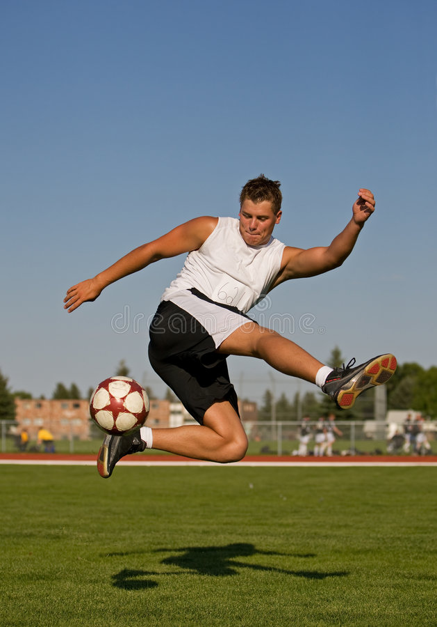 Fußballtrickschuß stockbilder