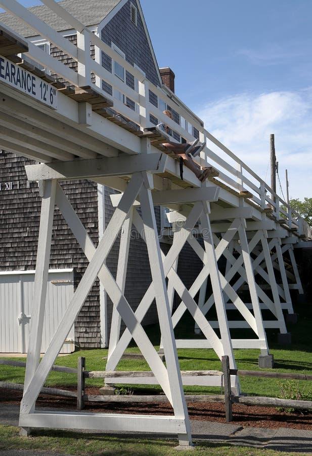 Fußgängerbrücke in historischem Bezirk Siasconset auf Nantucket stockfotografie