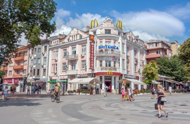 Fußgängerzone in der historischen Mitte von Varna, Bulgarien stockfoto