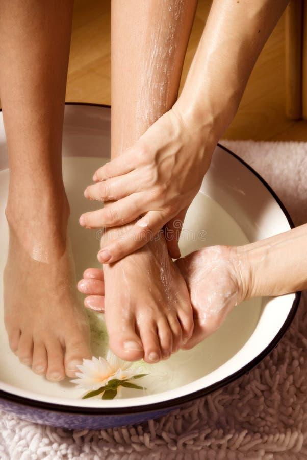 Fußmassage lizenzfreie stockbilder