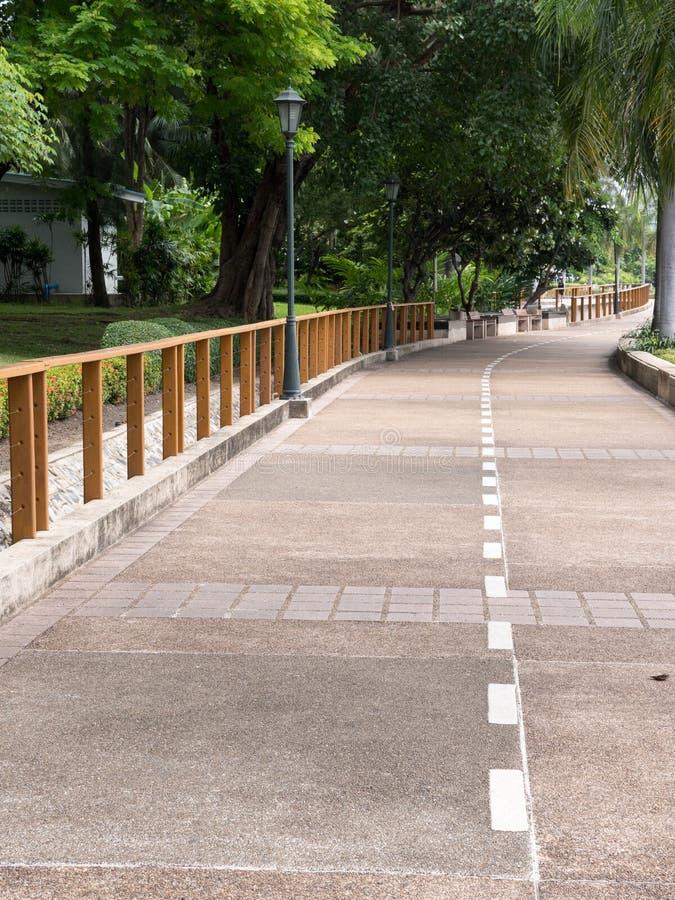 Fußweg im Nationalpark der Stadt lizenzfreie stockfotografie