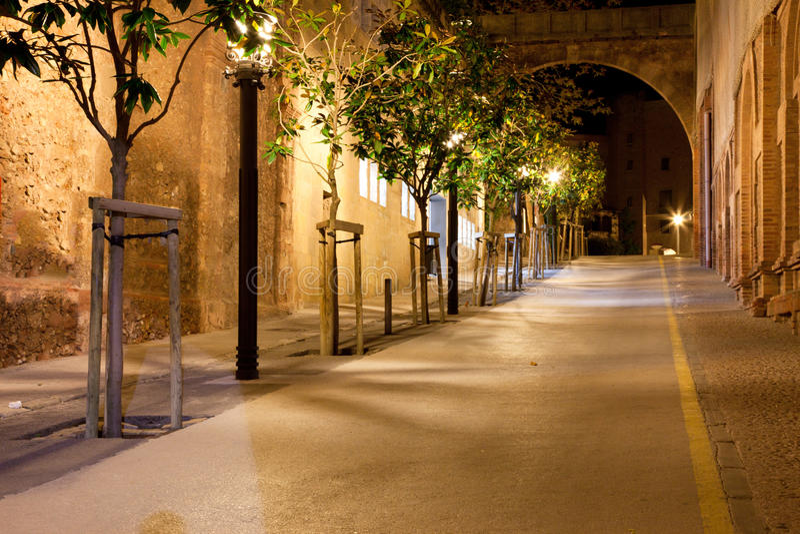Fußweg nachts lizenzfreie stockfotos