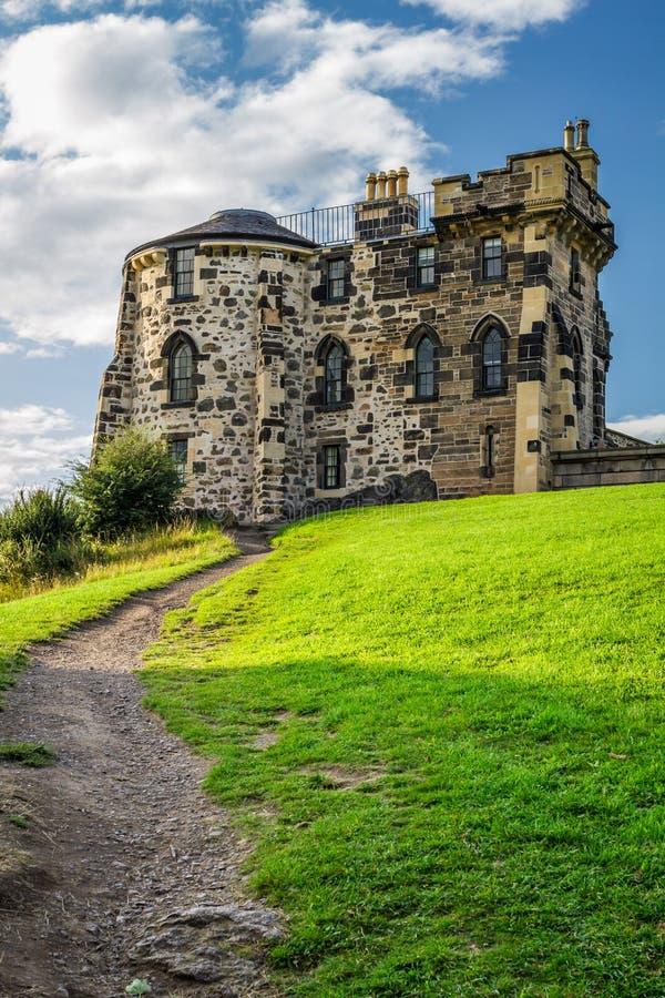Fußweg zum gotischen Haus Edinburgh lizenzfreie stockfotos