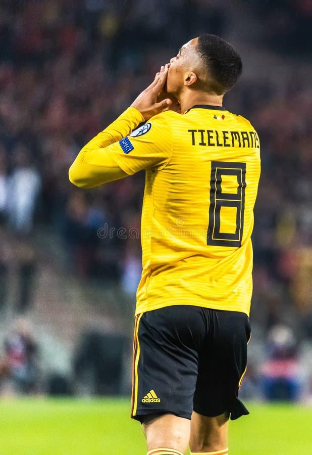 Fu?ballteammittelfeldspieler Youri Thielemans Leicester-Stadt und Belgiens nationaler lizenzfreie stockfotos