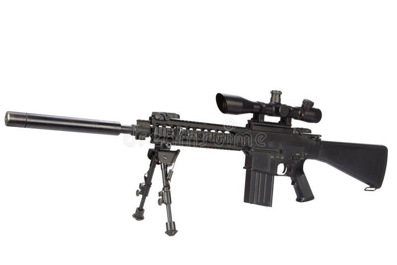 fucile di tiratore franco automatico dei semi con bipod ed il silenziatore fotografie stock