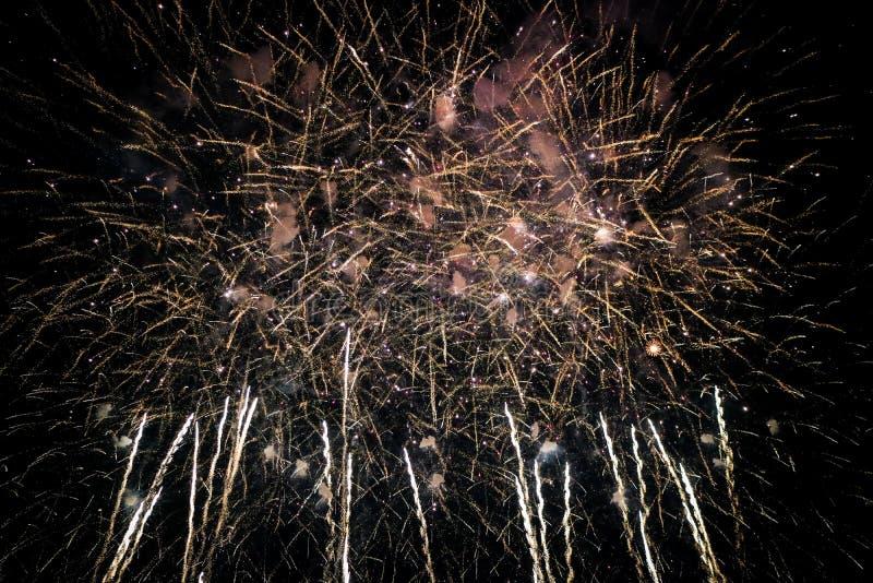 Fuego artificial hermoso del Año Nuevo de Tailandia fotos de archivo libres de regalías