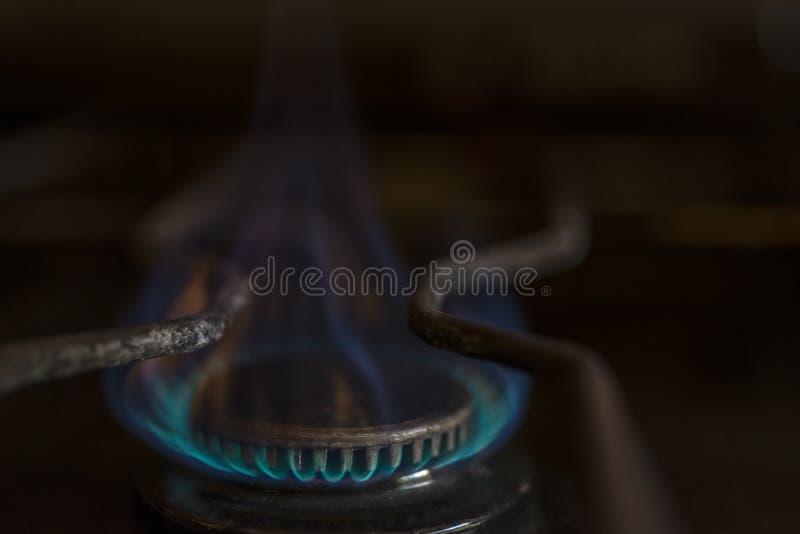Fuego de gas azul del butano fotografía de archivo