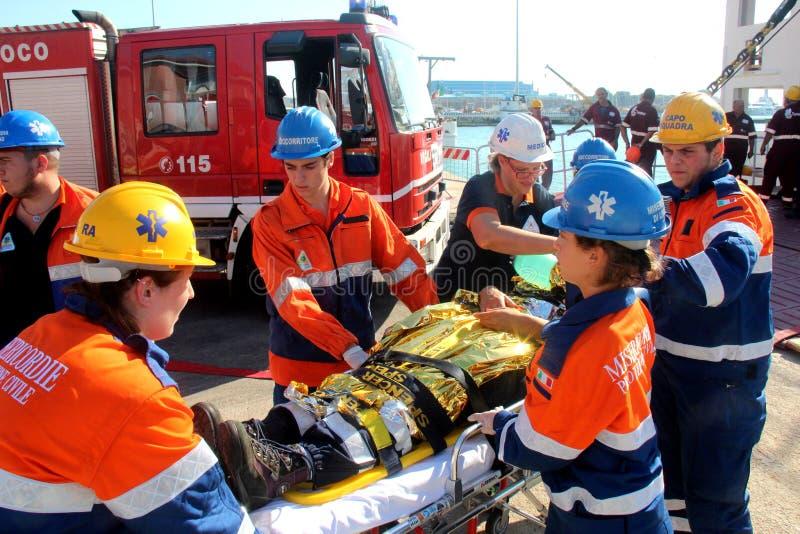 Fuego de la emergencia en puerto de transbordador imagen de archivo