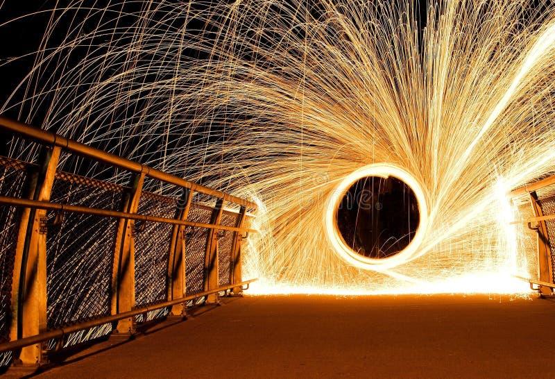 Fuego de las lanas de acero foto de archivo
