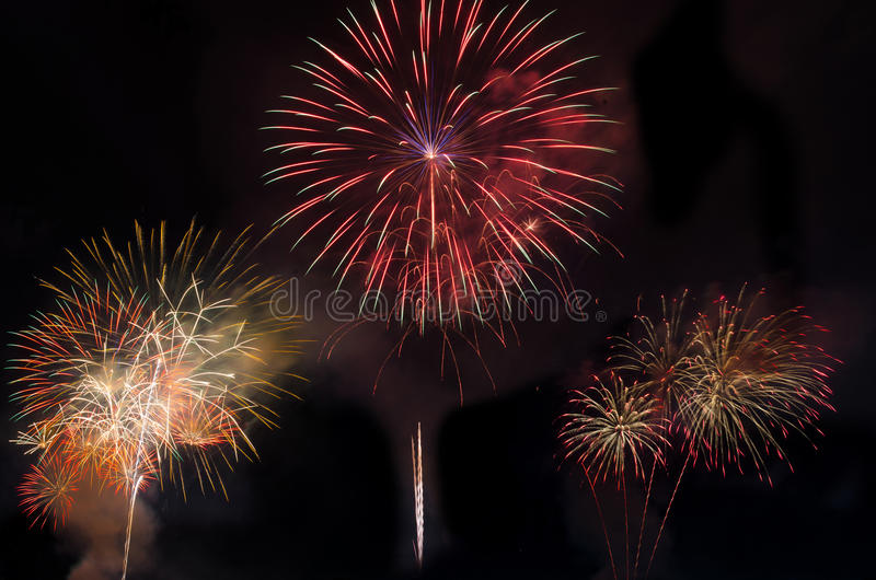 Download Fuegos artificiales imagen de archivo. Imagen de amarillo - 64207523
