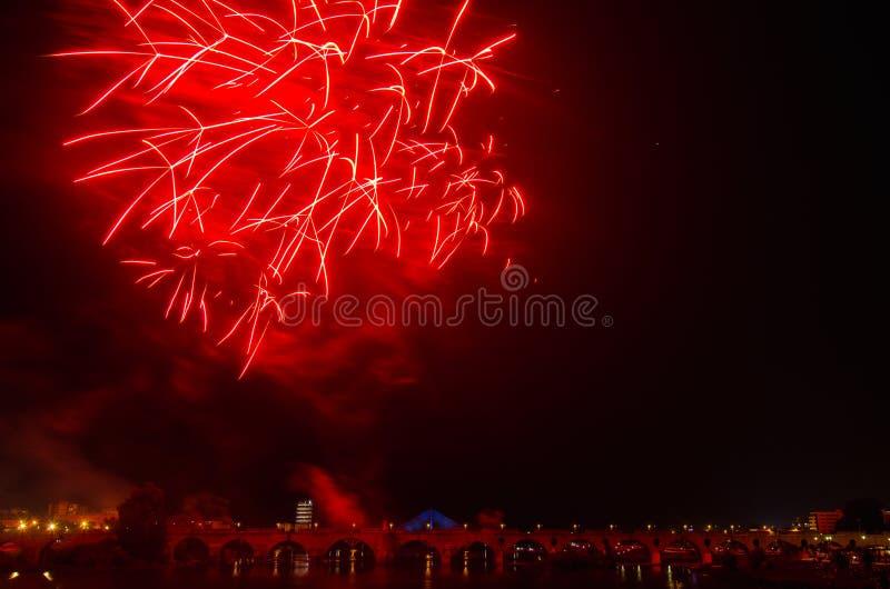Fuegos artificiales de San Juan en Badajoz foto de archivo libre de regalías