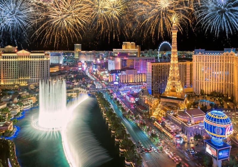Fuegos artificiales del Año Nuevo en la tira de Las Vegas foto de archivo libre de regalías