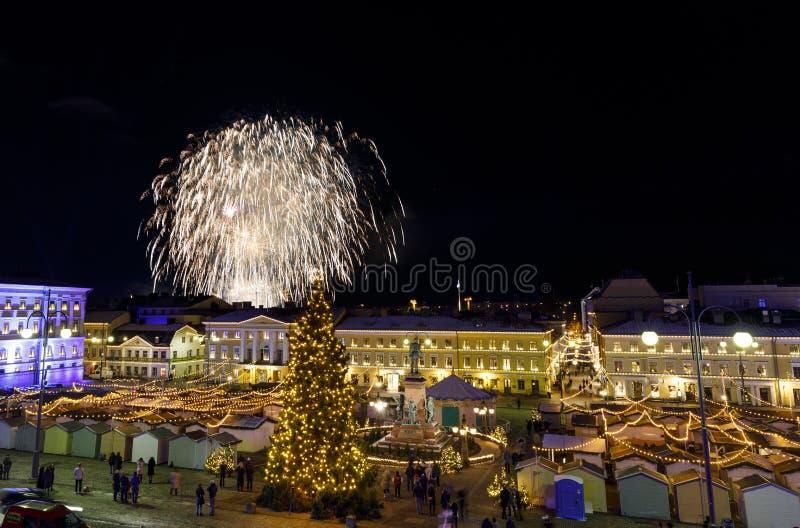Fuegos artificiales del Día de la Independencia en Helsinki, Finlandia el 6 de diciembre, fotografía de archivo libre de regalías