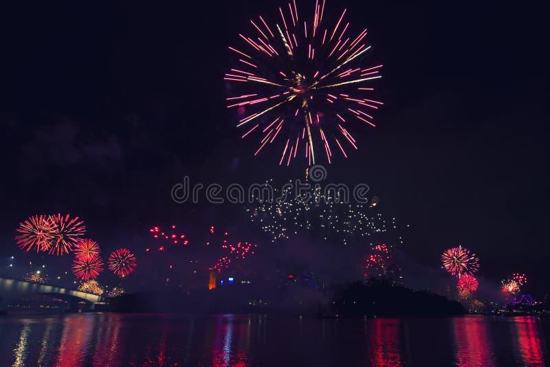 Fuegos artificiales en Brisbane - 2014 foto de archivo