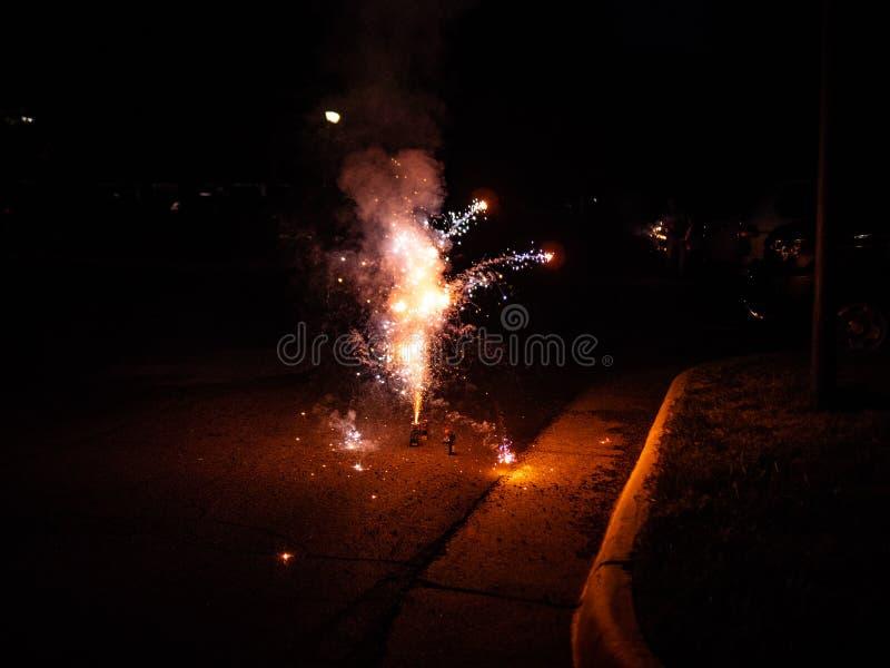 Fuegos artificiales en estacionamiento imagen de archivo libre de regalías