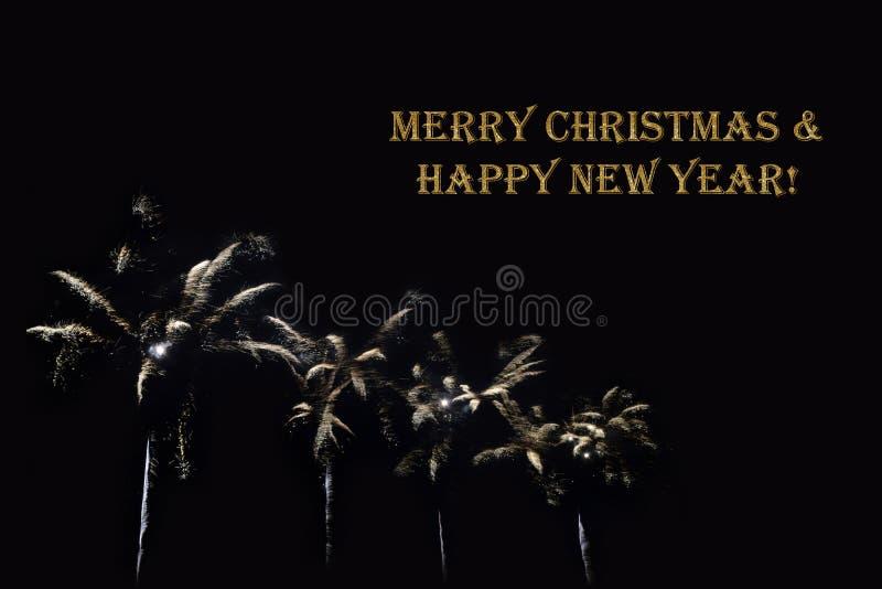 Fuegos artificiales en un fondo oscuro y un ` del Feliz Navidad del ` del texto y de la Feliz Año Nuevo stock de ilustración