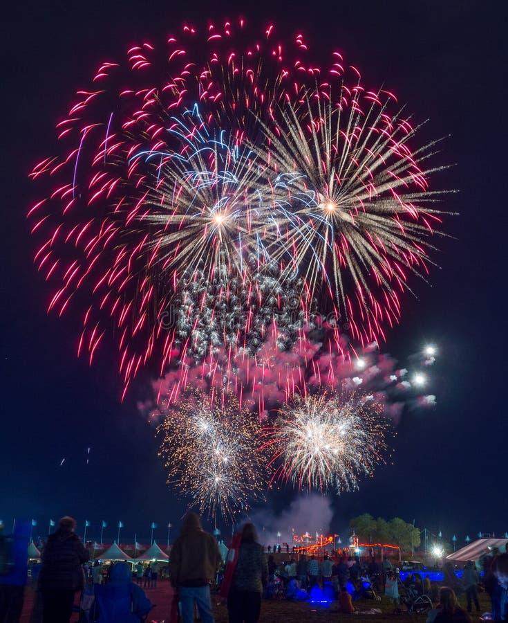 Fuegos artificiales, fiesta del globo de Albuquerque fotografía de archivo