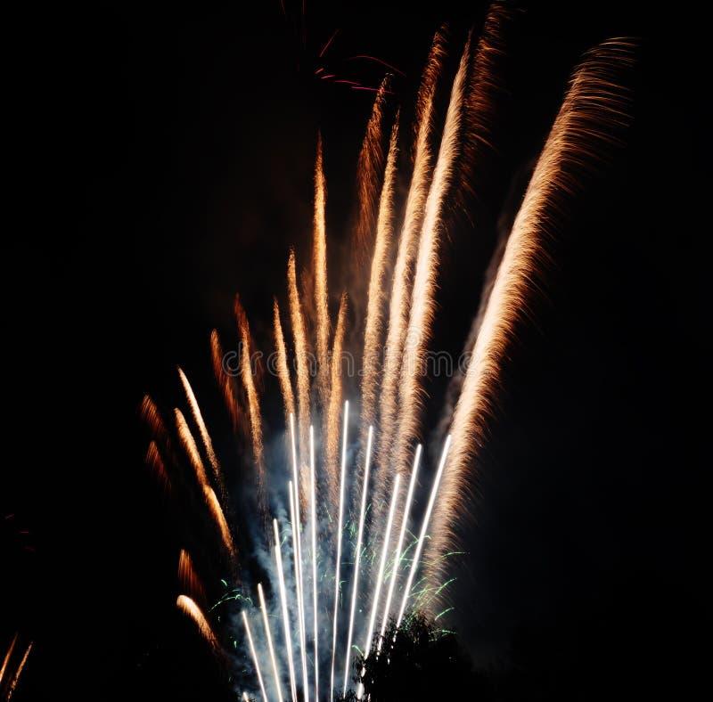 Fuegos artificiales hermosos imagen de archivo libre de regalías