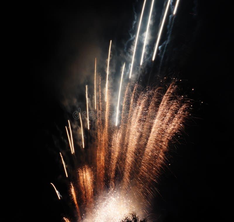 Fuegos artificiales hermosos fotografía de archivo libre de regalías