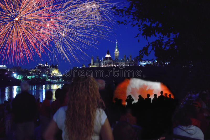 Fuegos artificiales Ottawa 2012 del día de Canadá imágenes de archivo libres de regalías