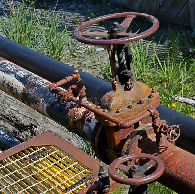 Download Fuel oil pipe with valve stock photo. Image of steel - 21935682