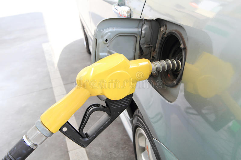 fueling stock foto