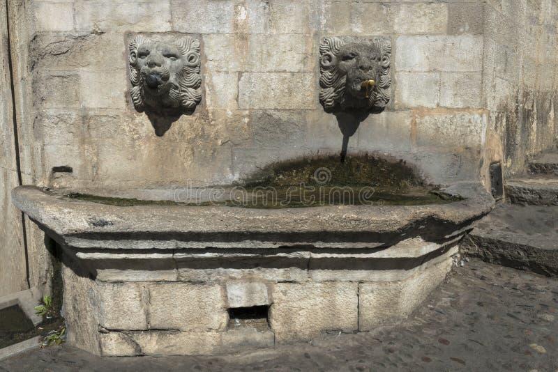 Fuente de agua en Girona fotos de archivo libres de regalías