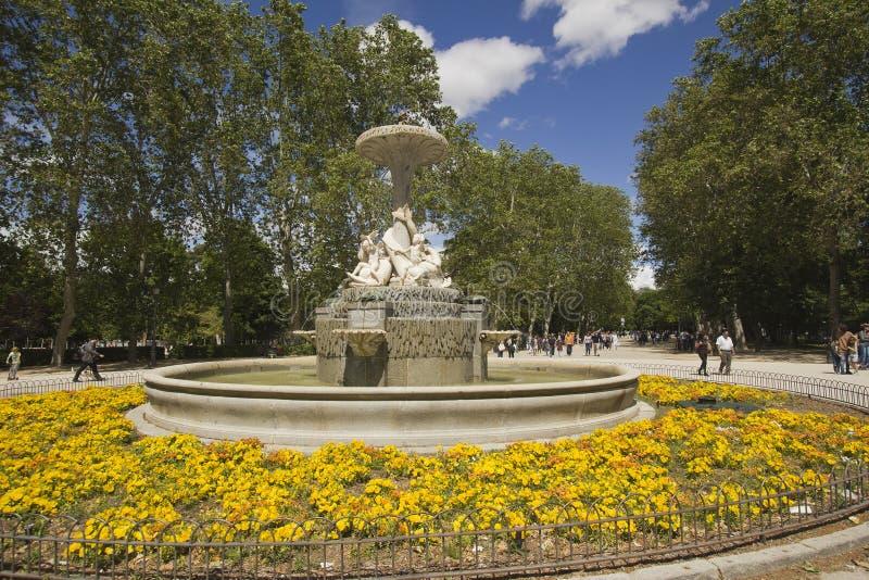 Fuente de Alcachofa, Madrid, Spanien arkivbilder