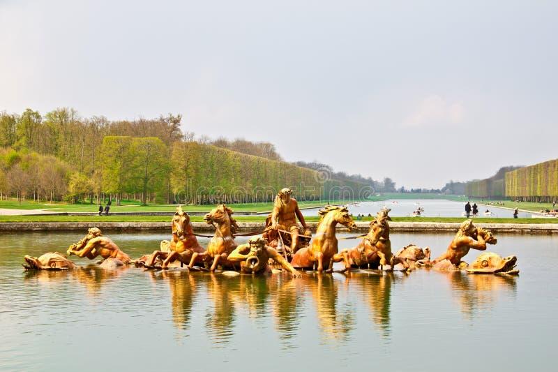 Fuente de Apolo en el jardín del palacio de Versalles imágenes de archivo libres de regalías