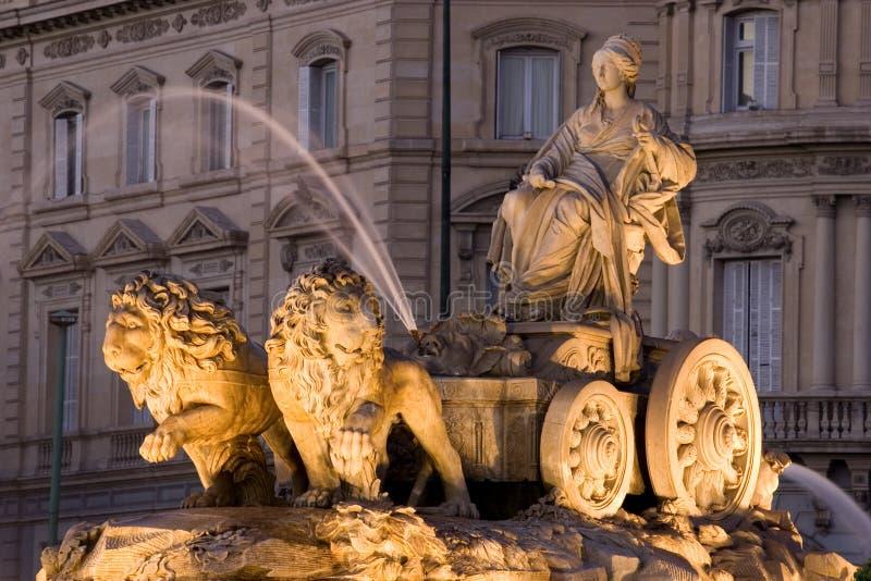 Fuente de Cibeles en Madrid, España imagenes de archivo