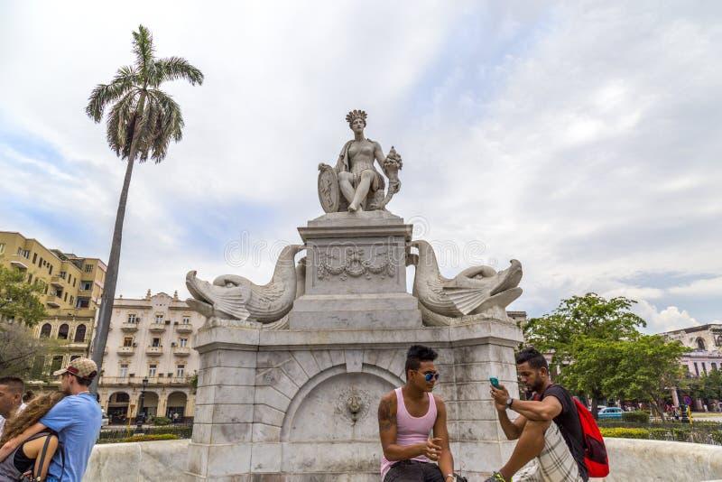 Fuente de la Indien i havannacigarren, Kuba fotografering för bildbyråer