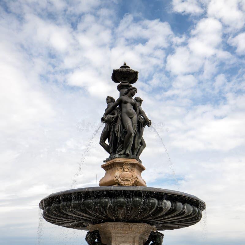 Fuente de las tres tolerancias, Place de la Bourse, Burdeos foto de archivo libre de regalías