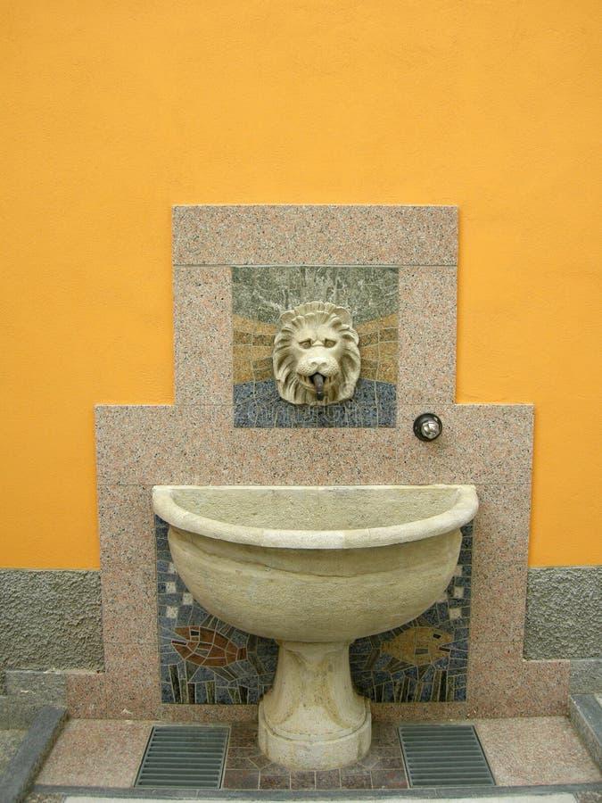 fuente de mármol clásica foto de archivo