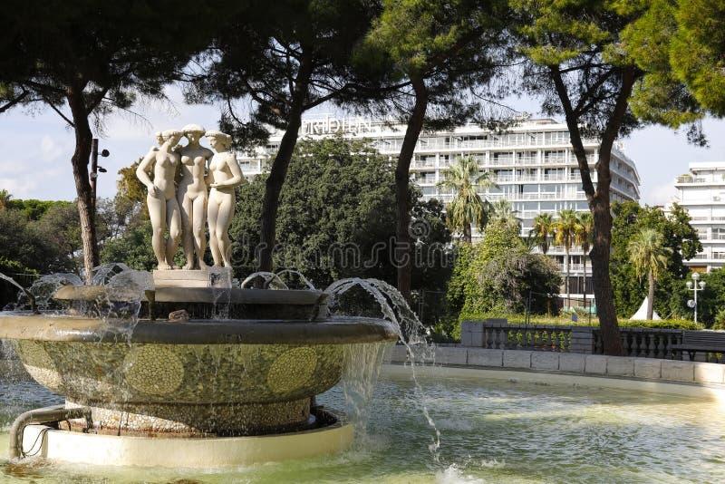 Fuente de tres tolerancias en Niza en Francia fotografía de archivo libre de regalías