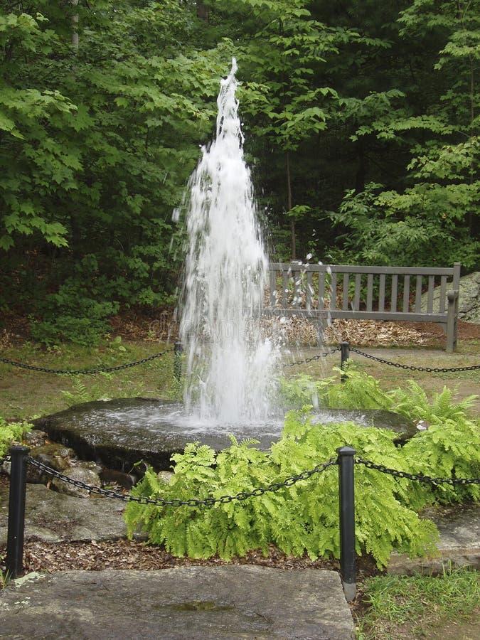 Fuente del jardín imagenes de archivo