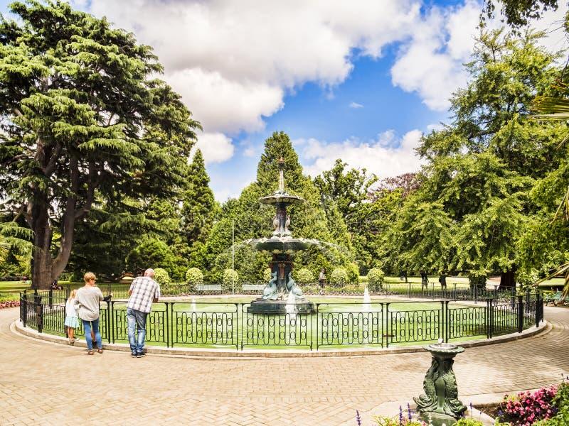 Fuente del pavo real, jardines botánicos de Christchurch imágenes de archivo libres de regalías