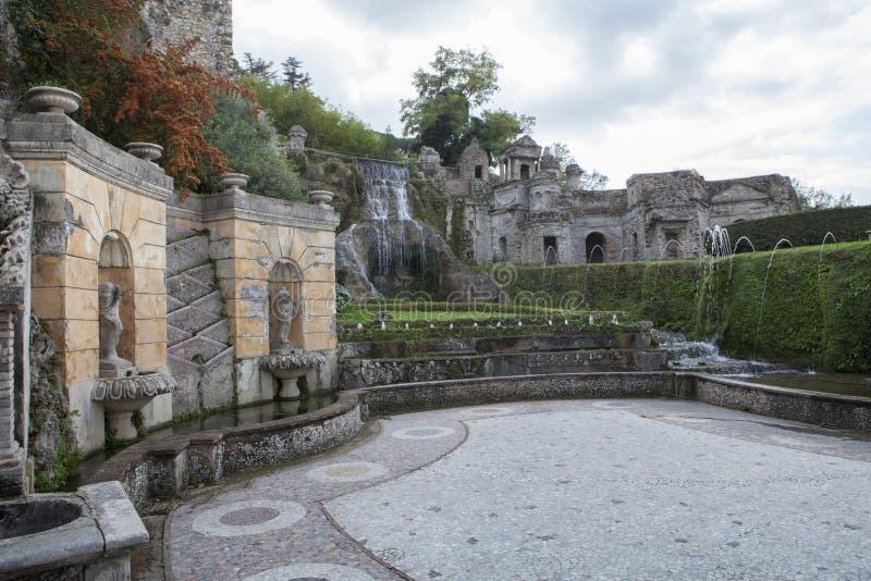 Fuente del sitio importante del patrimonio mundial de EsteTivoli del chalet y de i foto de archivo