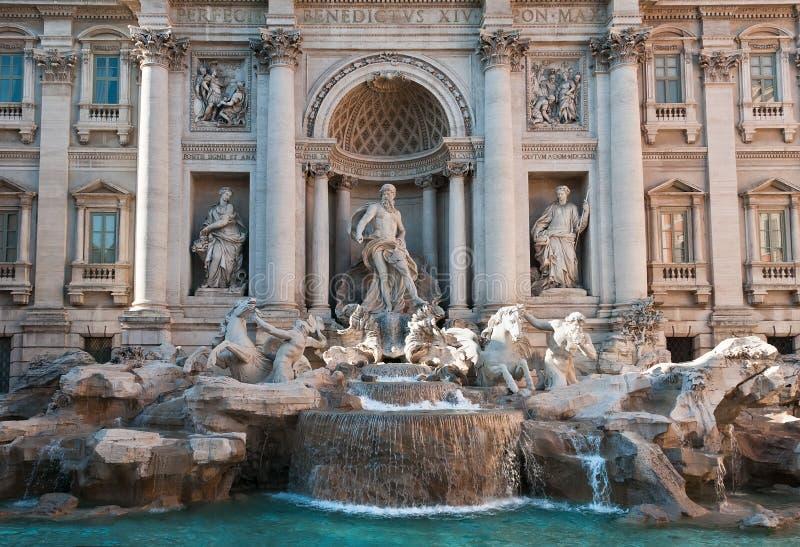 Fuente del Trevi, Roma, Italia imagenes de archivo