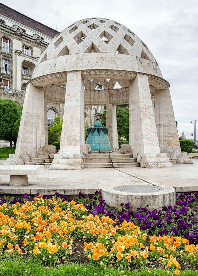 Fuente en Budapest, Hungría foto de archivo