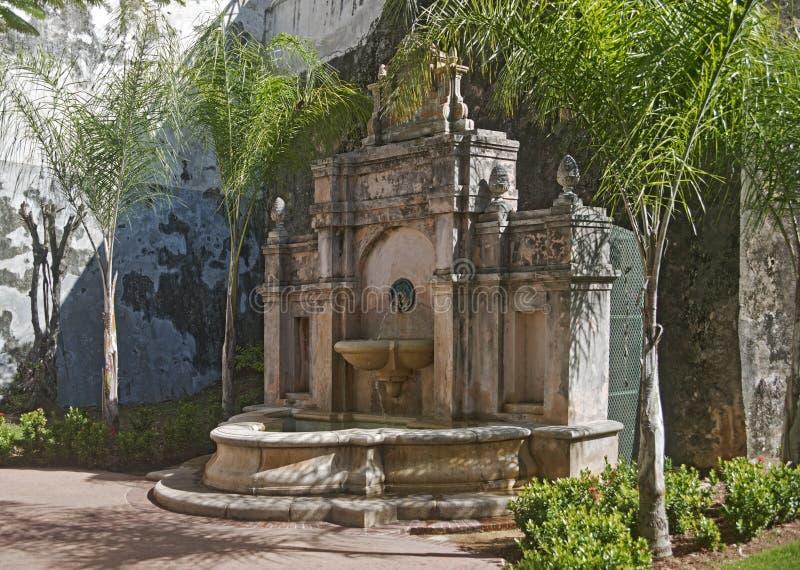 Fuente en el paseo de la Princesa, San Juan, Puerto Rico foto de archivo libre de regalías