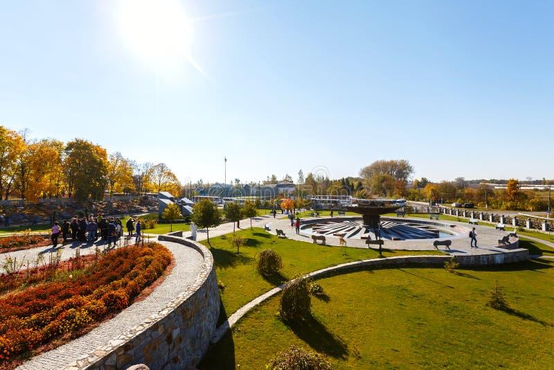 Fuente en el pueblo de Buky Ucrania fotos de archivo libres de regalías
