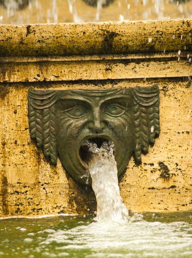 Fuente en Génova, Italia imagen de archivo